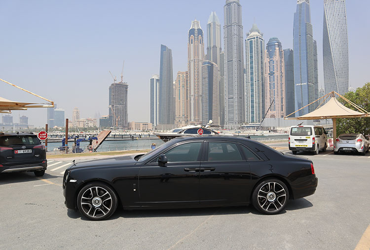 Rolls Royce Ghost with 2 Hours Yacht Offer
