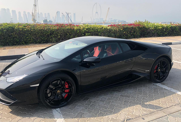 Rent  Lamborghini & Enjoy Iconic Views of Dubai  in a Free  Helicopter Ride